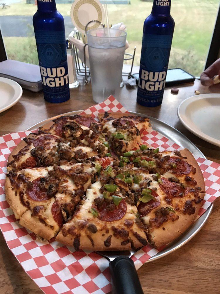 Dino's Pizza And Grill: 6080 US 101, Amanda Park, WA