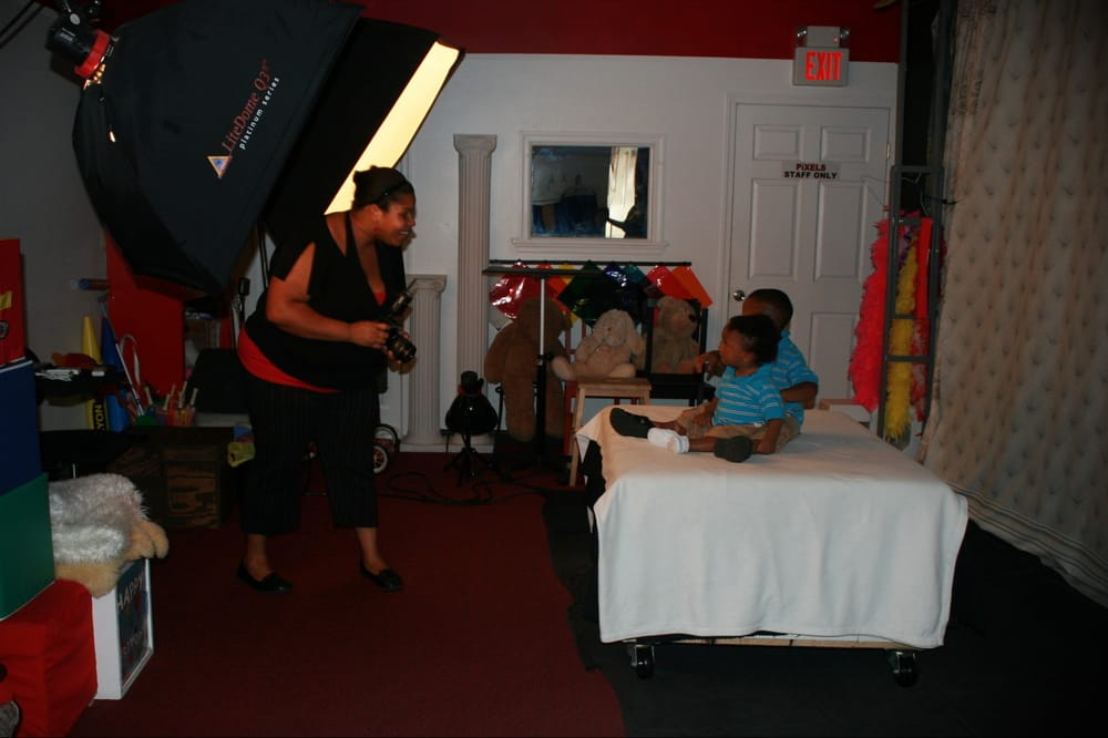 Pixels Photo Studio Closed Photography Stores Services 58 S 69th St Upper Darby Pa