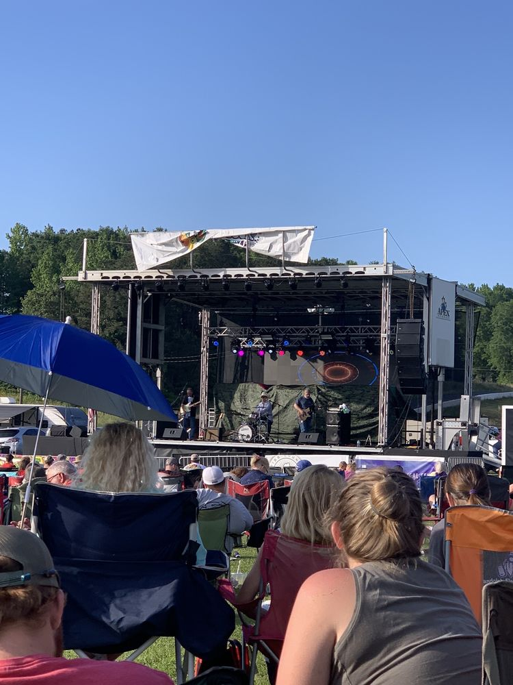Woodstock Music Festival: 20105 US-11, Woodstock, AL