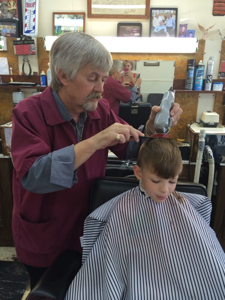 Hicks Manor Barber Shop: 1133 Magie Ave, Fairfield, OH