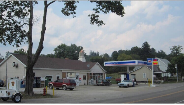 T J's Gas and Go: 237 E Main St, Freeport, OH