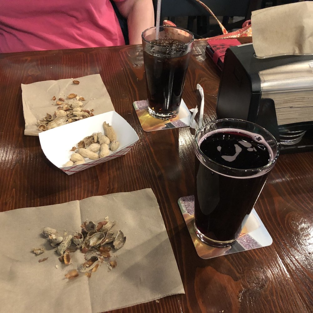 Hop Mountain Taproom And Grill: 14017 N Newport Hwy, Mead, WA