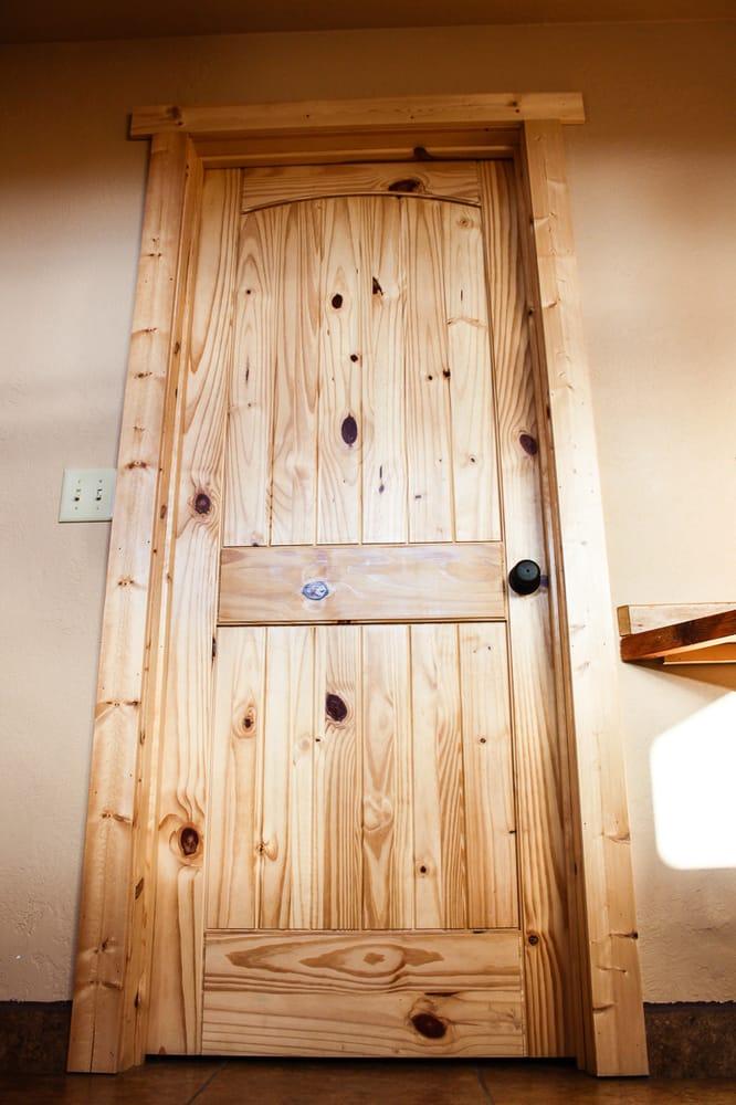 Idaho Sportsman Lodge: 103 East St, Stites, ID