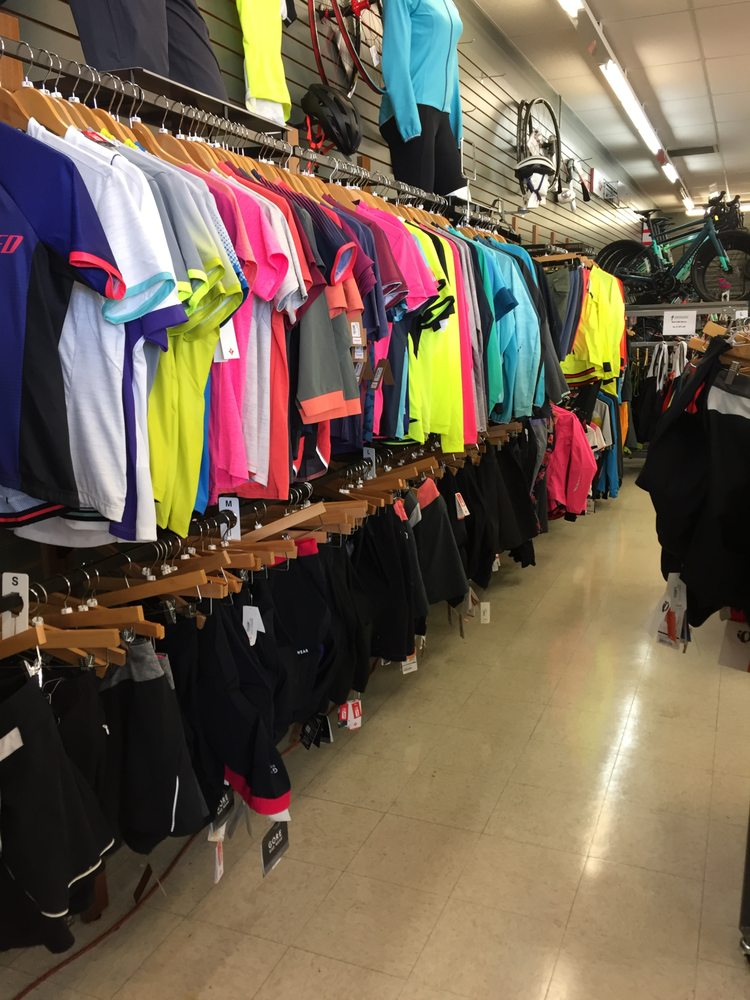 High Gear Sports: 1171 N US Hwy 31, Petoskey, MI