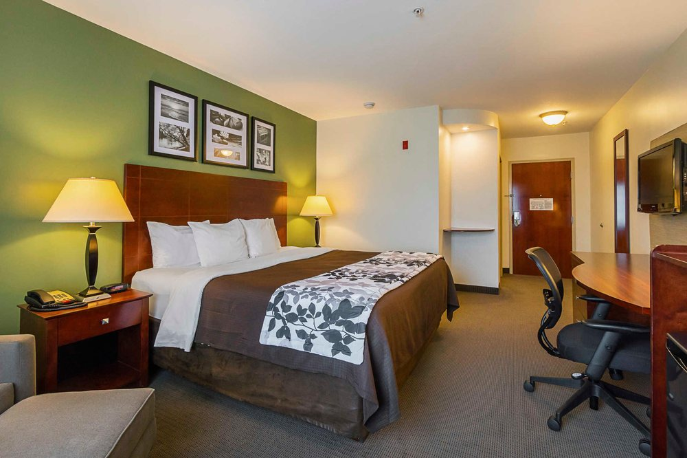Sleep Inn & Suites: 84 Relco Drive, Manchester, TN