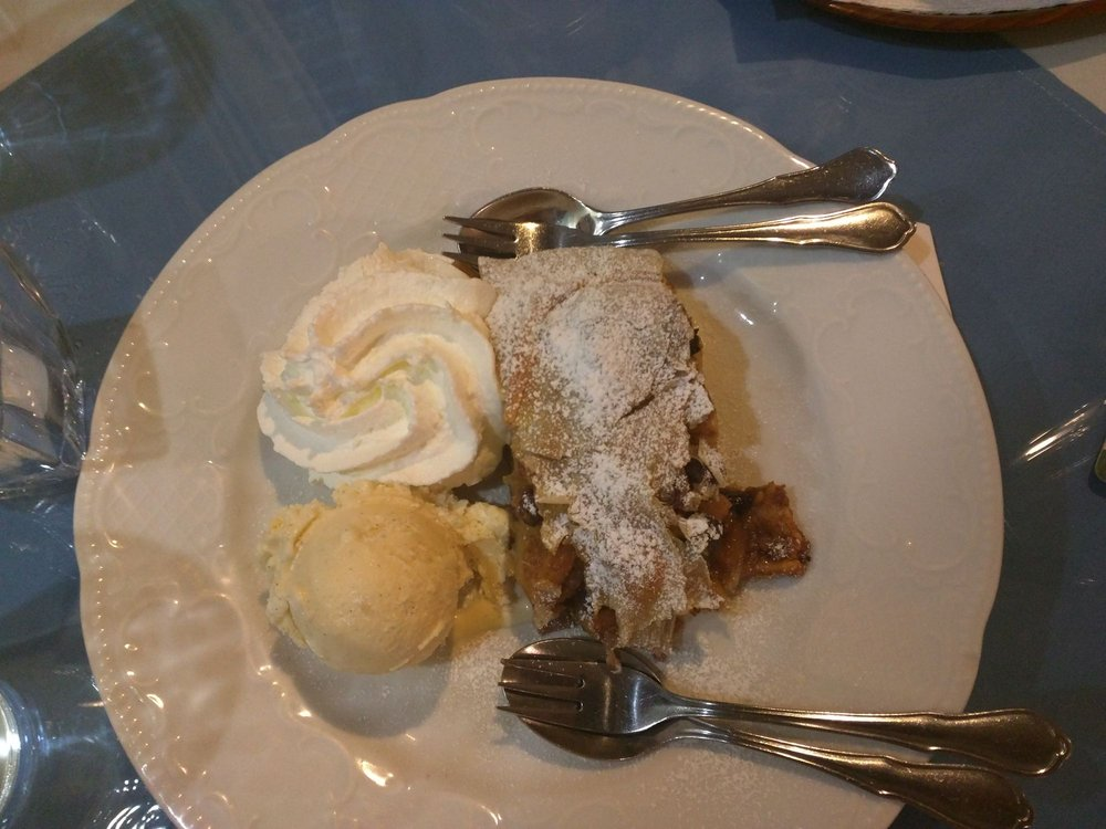 Bavaria German Restaurant: 1461 Hooksett Rd, Hooksett, NH