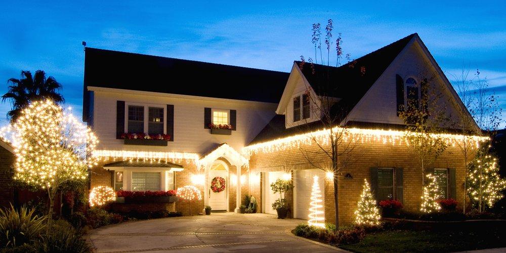 Lawrenceville Christmas Light Installation: 1431 Mt Water Ct, Lawrenceville, GA