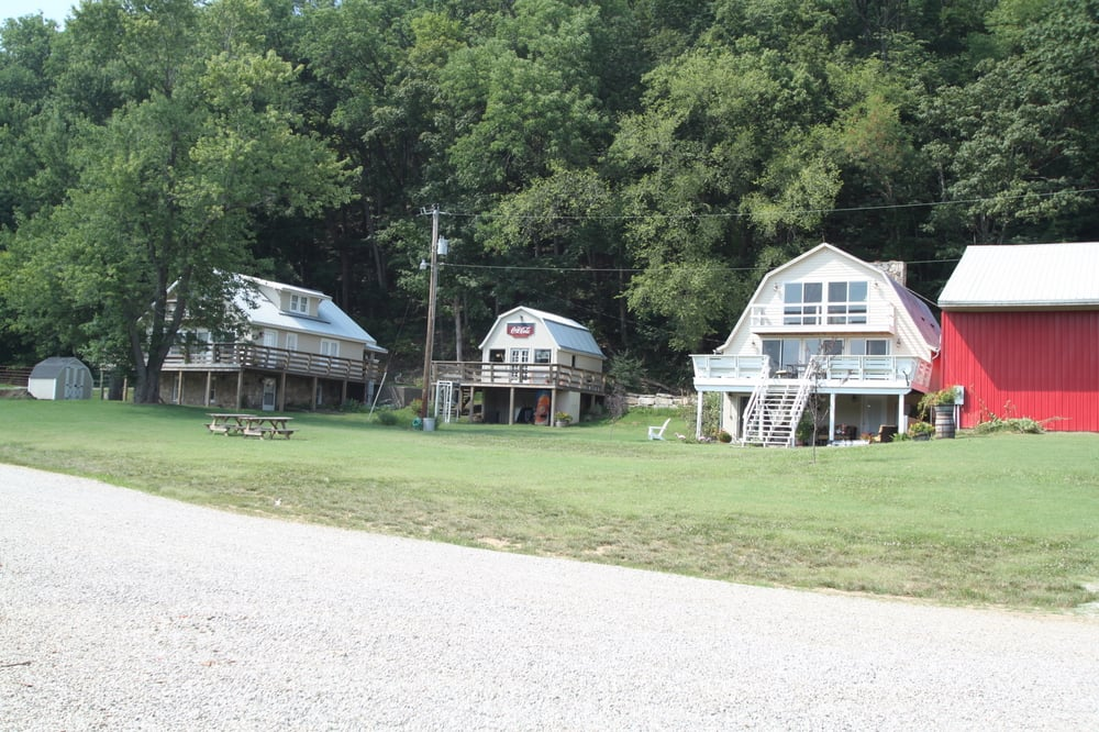 Horseshoe Bend RV Campground, Cabins & Boat Ramp: 850 W Ct St, Leavenworth, IN