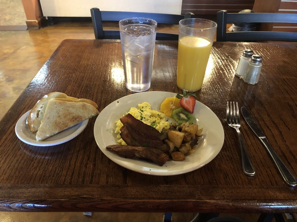 Natures Way Health Food: 18 E 7th St, Mountain Home, AR