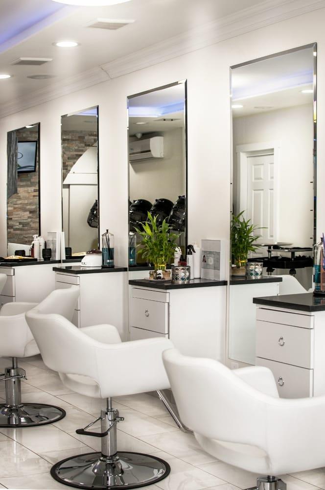 Bella Lounge Salon: 664 W 204th St, New York, NY