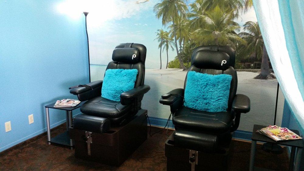 Blondie's Salon: 720 6th St, Clarkston, WA