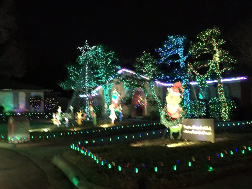 Diamond Loch Christmas Lights Display - 17 Photos - Local Flavor ...