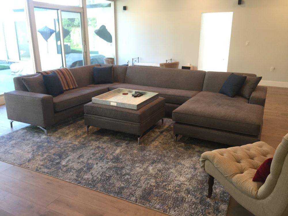 What A Room: 545 E Brokaw Rd, San Jose, CA
