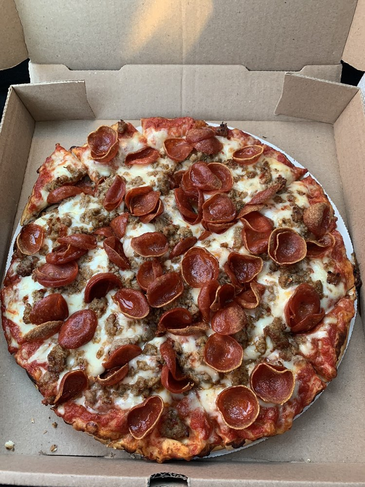 Pizzaroni's Pizza: 12998 National Rd St SW, Etna, OH