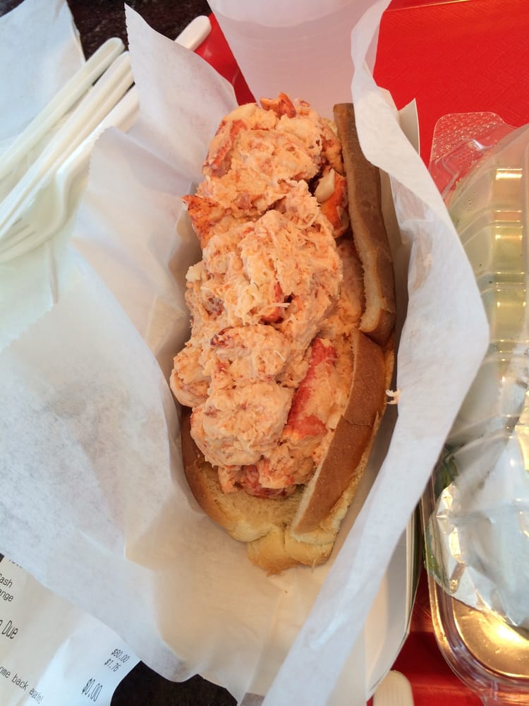 King size lobster roll - Yelp