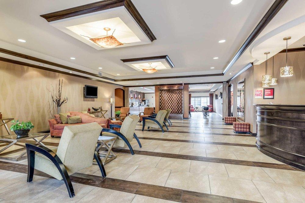 Comfort Suites: 6015 Old Boyce Rd, Alexandria, LA