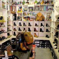 4315fa8fd33 Black Boots - 14 fotos e 11 avaliações - Lojas de Sapatos - R ...