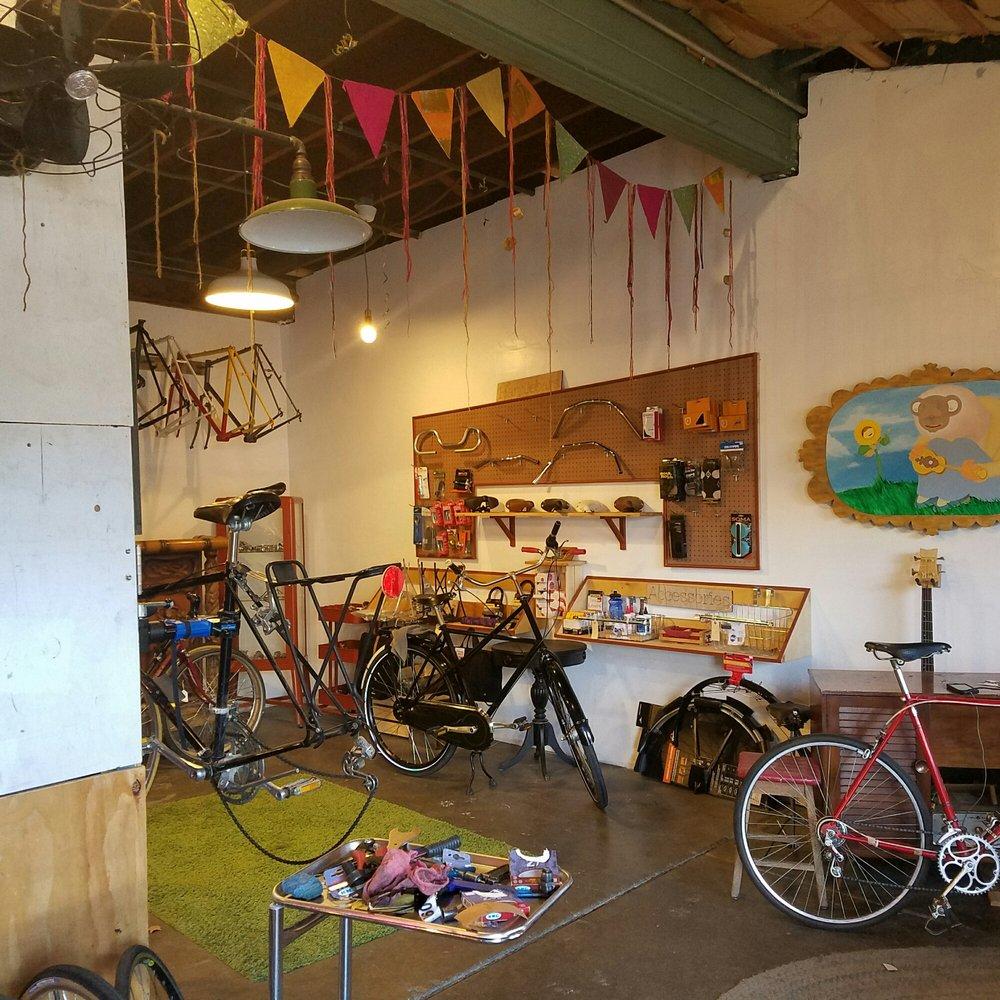 Addison\'s Bicycle Repairium - 16 Photos & 29 Reviews - Bike Repair ...