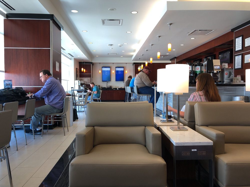 Lounge Review United Club Sat Loungereview Com