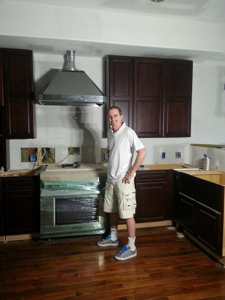 Lee Faust And New Kitchen Cabinets Installed And Completed By