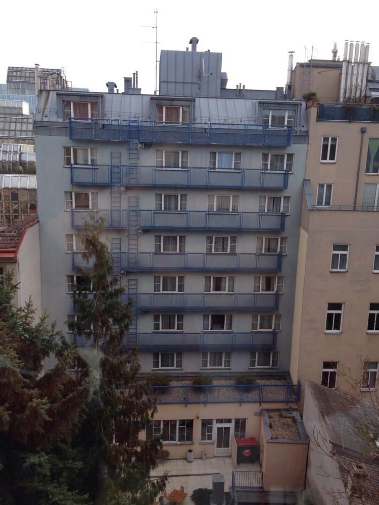 Hotel alexander chiuso 12 foto hotel augasse 15 for Hotel numero
