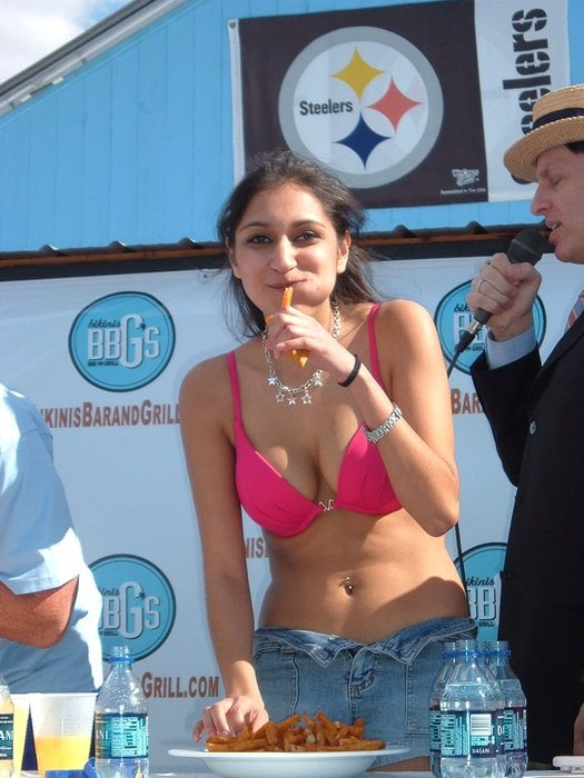 Girl Yelp In Ff Bikini Eating Contest c5R43jALq