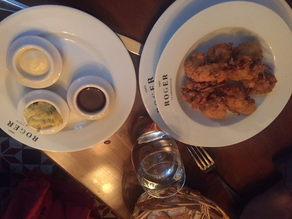 Fried frog legs with 3 sauces very very good yelp for Roger la grenouille paris