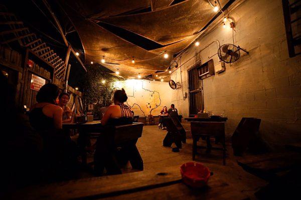 Workhorse Bar - 142 Photos & 286 Reviews - Dive Bars - 100 N