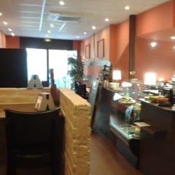 Picnic caf castellane 14 photos sandwichs 6 rue for Chambre de commerce marseille rue sainte victoire