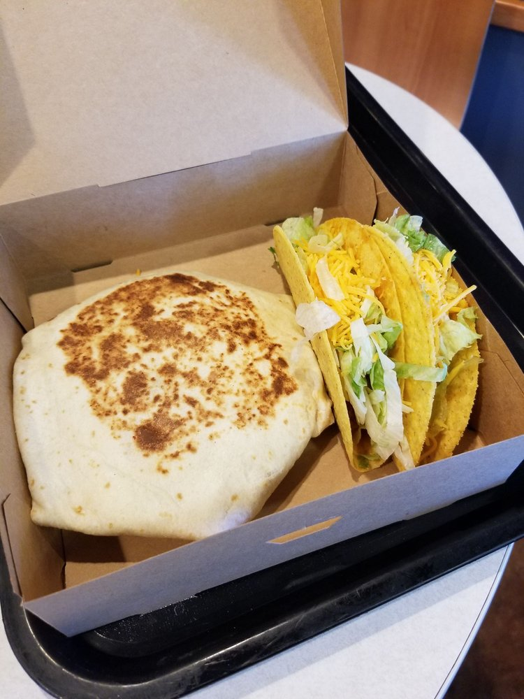 Taco Bell: 1194 S Cloverdale Boulevard, Cloverdale, CA