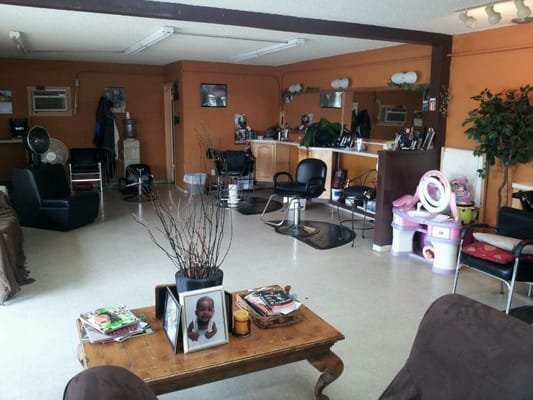 Peytons salon barbieri 6281 imperial ave south for 7 image salon san diego