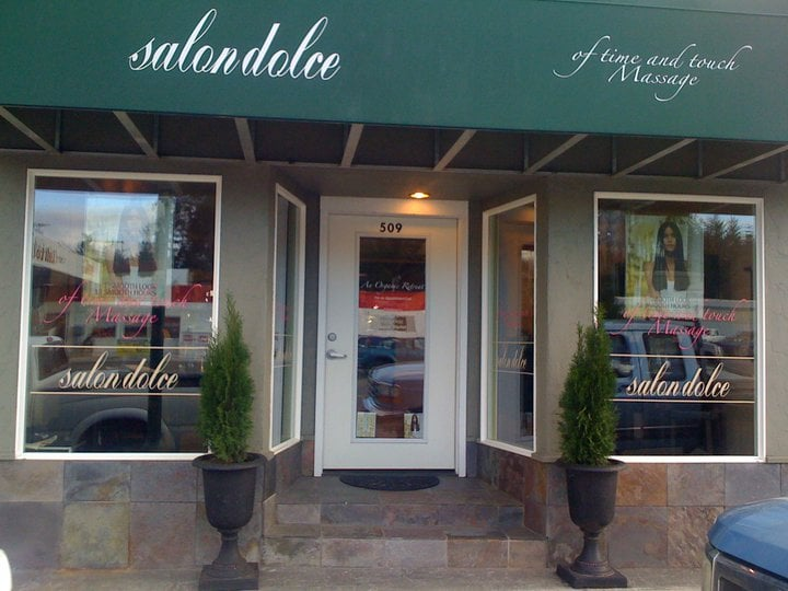 Salon Dolce: 509 Chetco Ave, Brookings, OR