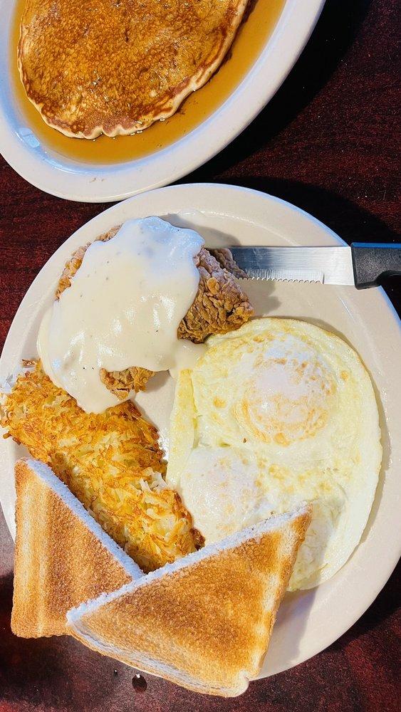 The Backroads Cafe: 2104 Fm 1189, Brock, TX