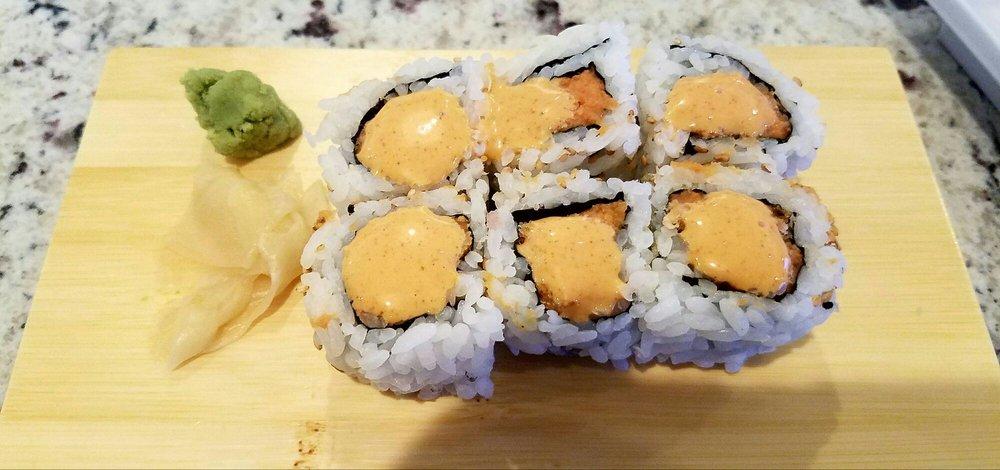 Sapporo Sushi Bar: 1730 Shedeck Pkwy, Yukon, OK