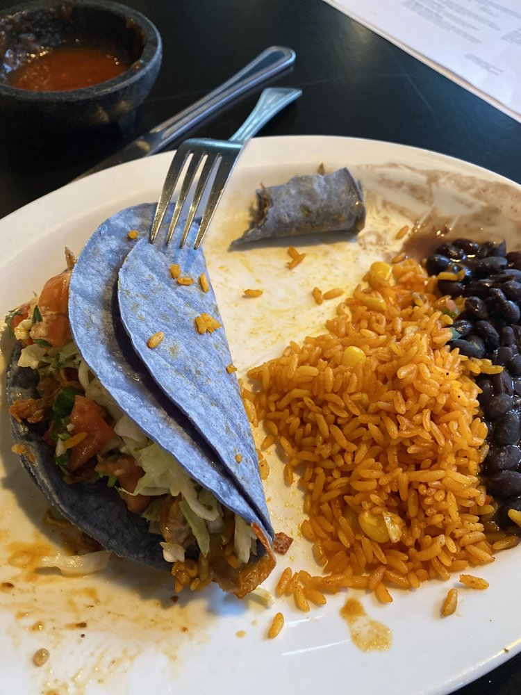 Food from Agave's Taqueria