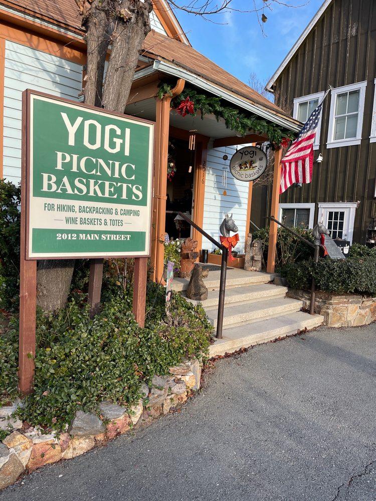 Yogi Picnic Baskets: 2012 Main St, Julian, CA