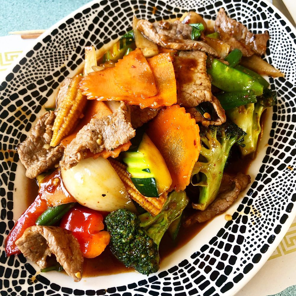 Krua Thai Restaurant: 100 Main St, Buzzards Bay, MA