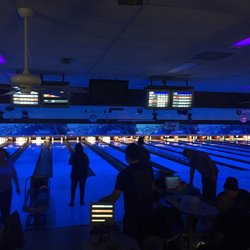 Oak Hills Lanes 33 Photos 54 Reviews Bowling 7330 Callaghan