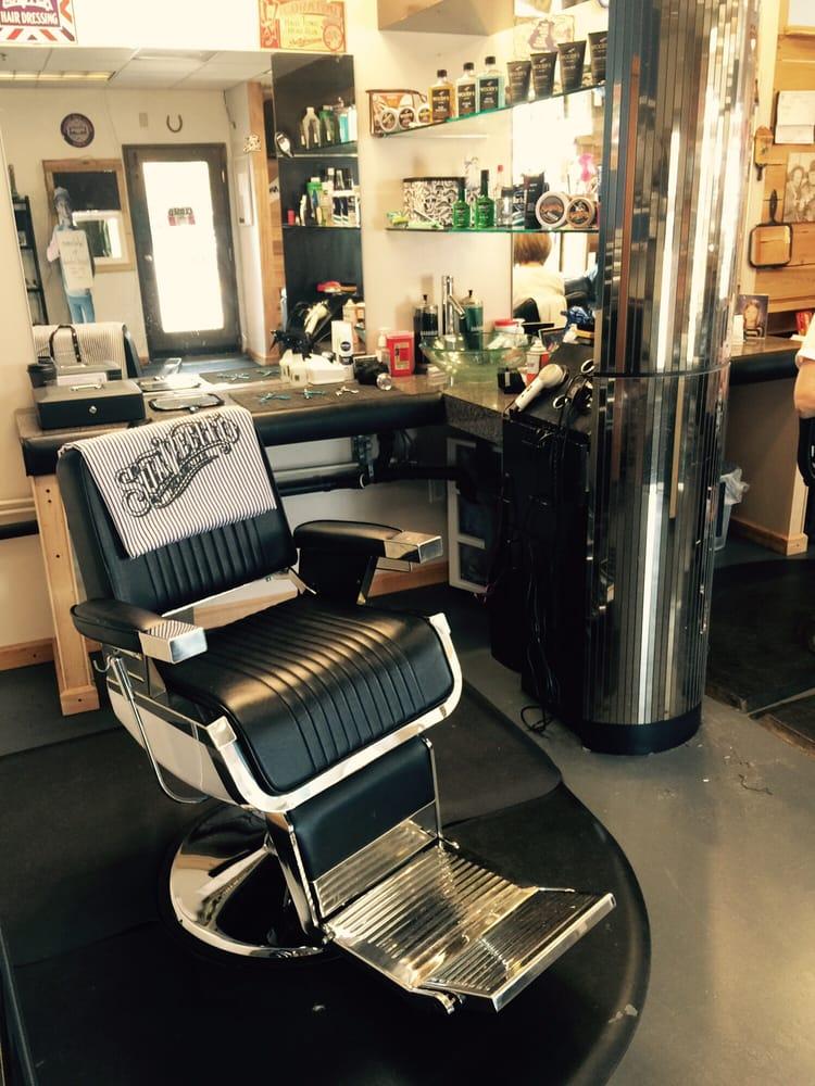 The Landing Strip Barbershop: Arlington, WA