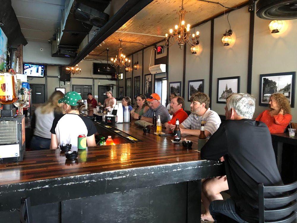 Willie's Place: 352 Saint Francis St, Mobile, AL
