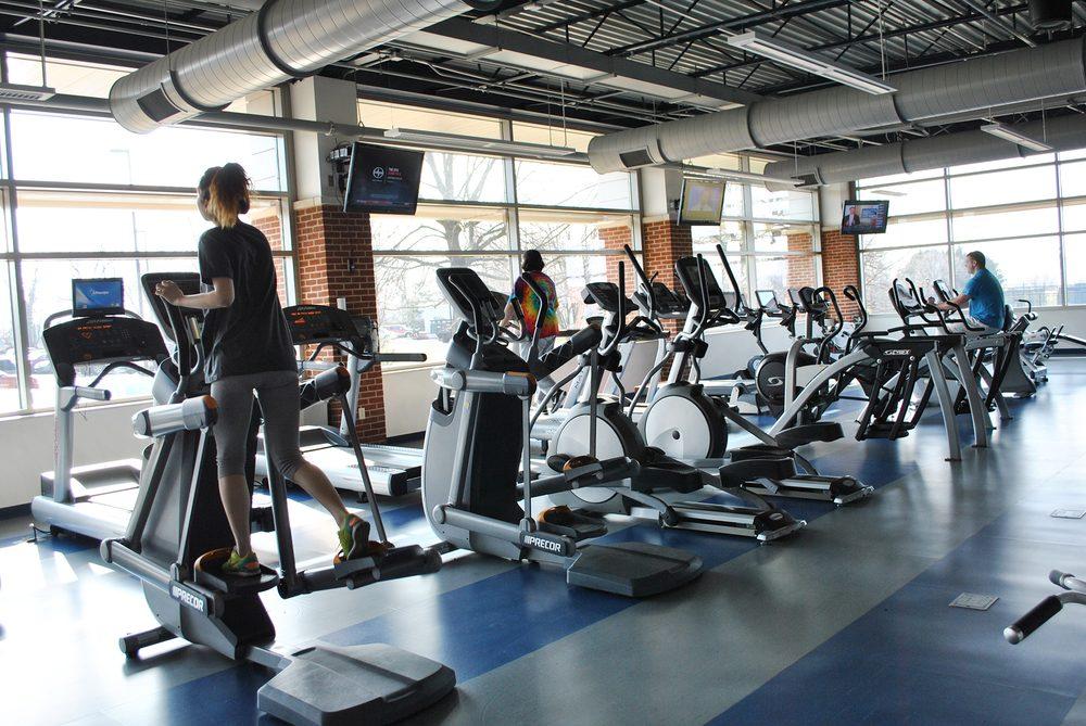 Fitness Warehouse: 948 Greenbay Rd, Winnetka, IL