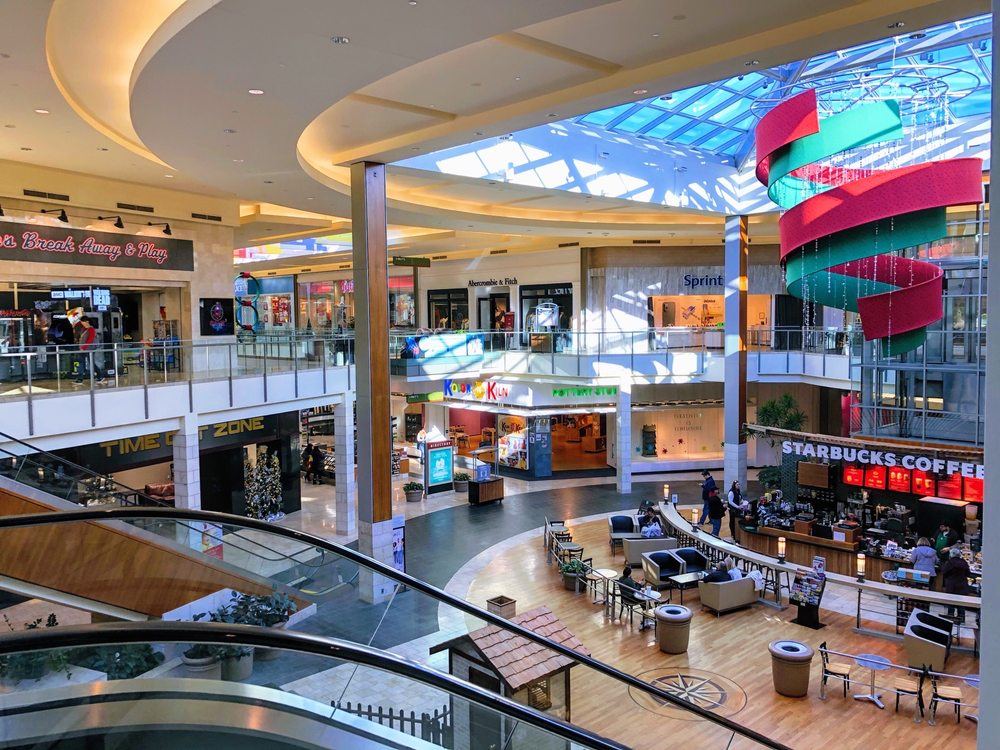 The Mall at Robinson: 100 Robinson Centre Dr, Pittsburgh, PA