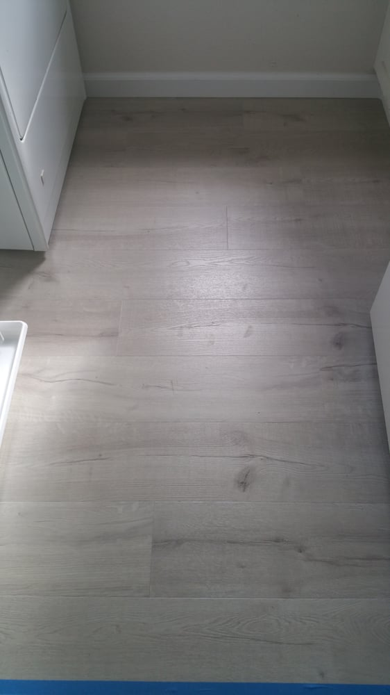 White Oak Great Oregon 5mm Vinyl Planks Laundry Room 100