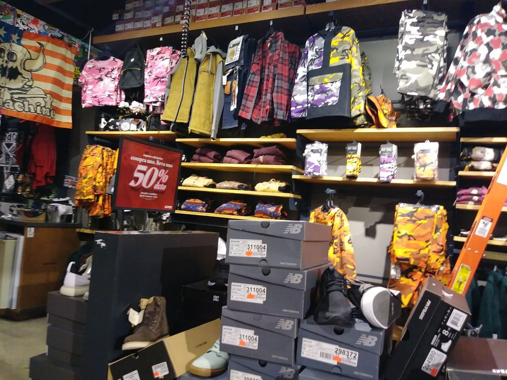 Zumiez: 6501 Grape Rd, Mishawaka, IN