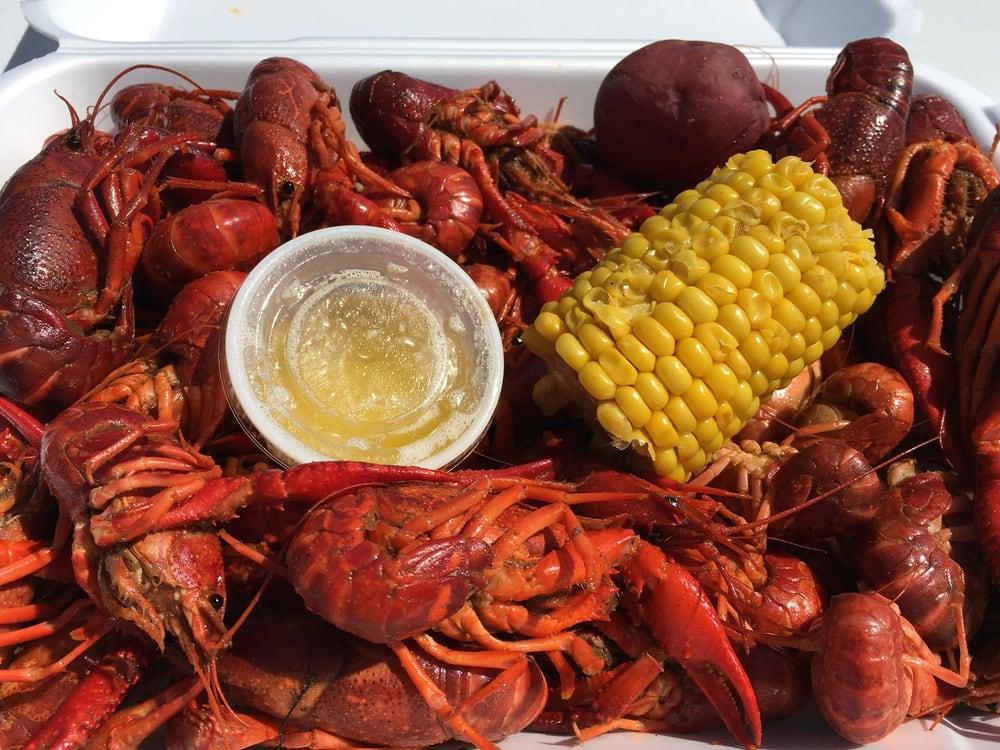 Redfish Willie's Waterfront Grill: 322 Huff St, Aransas Pass, TX
