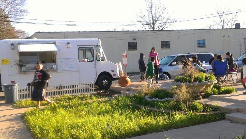El Molcajete Food Truck