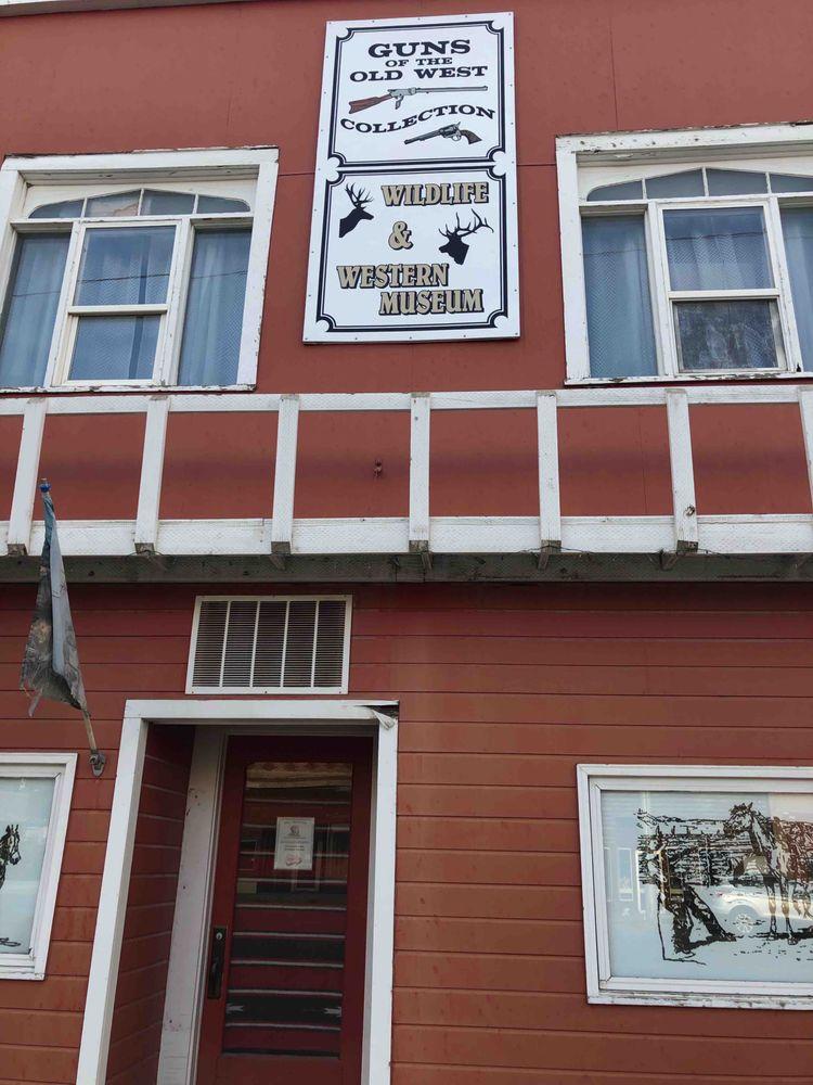 Bull Mountain Trading: 136 Main St, Roundup, MT