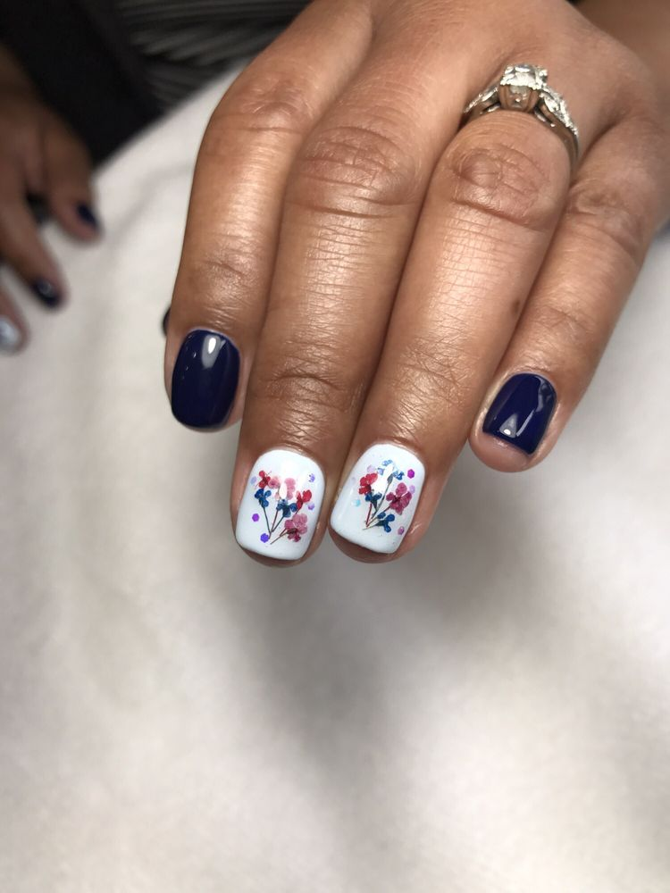 Mother\'s Day mani with tiny dried flower bouquet! - Yelp