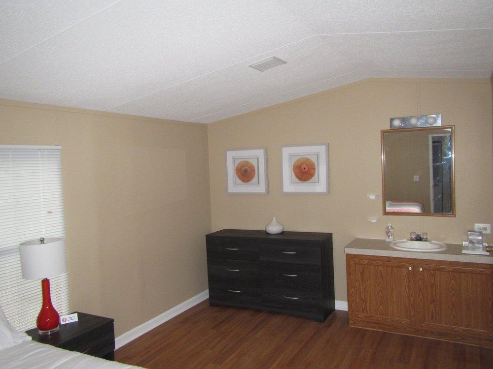 Pine Tree Associates: 1801 Hawkins Rd, Annapolis, MD