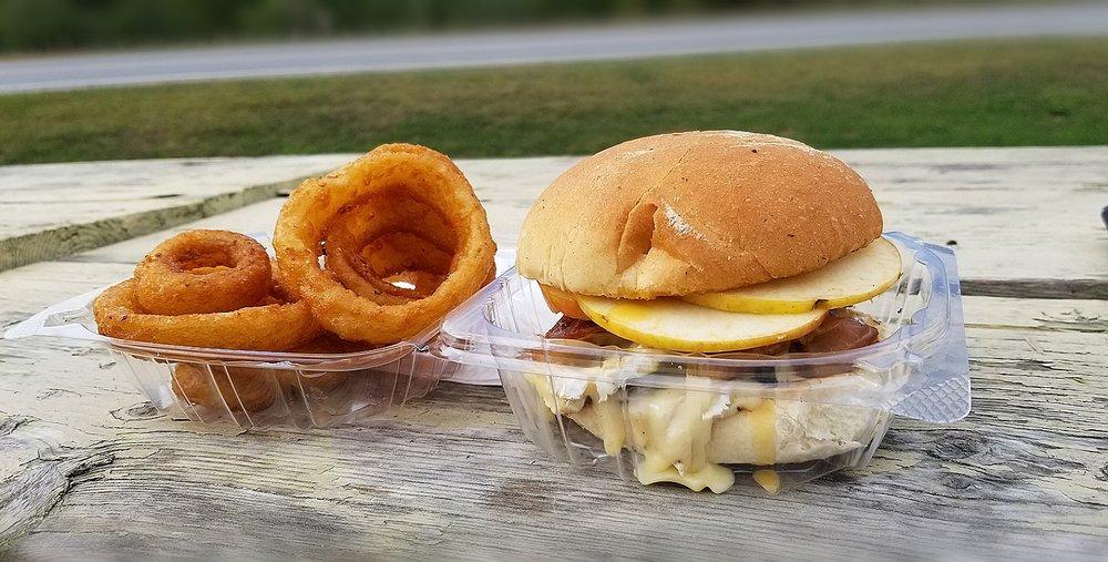 Burger Barn: Jeffersonville, VT